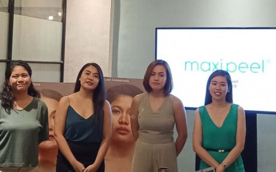 """Maxi-Peel Encourages Women with Troubled Skin 